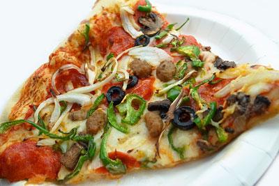 フードコートのスライスピザ(コンボ)