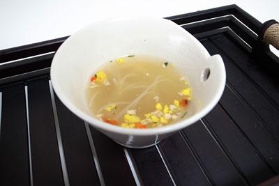 もっと選べる5種類フォー 香草チキンスープ