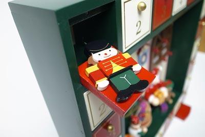 クリスマス用 アドベントカレンダー 木製のオーナメント