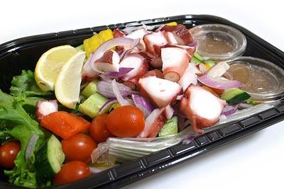 タコと彩り野菜のサラダ
