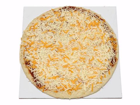丸型ピザの切り方1