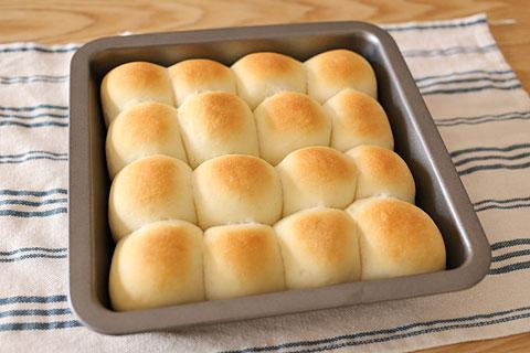 日本一簡単に家で焼けるパンレシピで焼いたパン