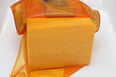 バンドン ミディアムチェダーチーズ カット断面