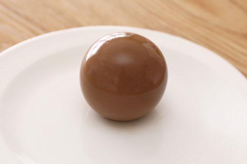 牧家 ミルクチョコレートプリン お皿に出した