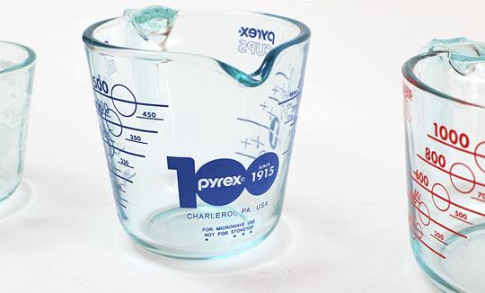 PYREX 強化ガラスメジャーカップセット 100週年モデルロゴ