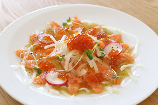 Salmon carpaccio01
