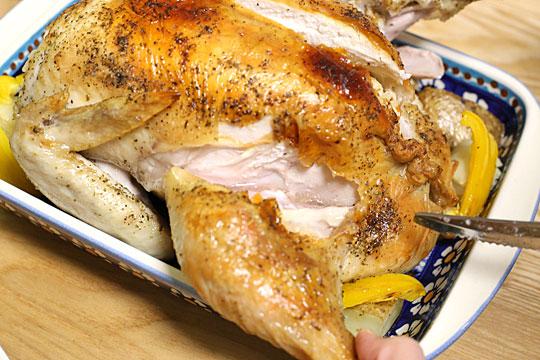 さくらどり丸鶏でローストチキン 透明な肉汁