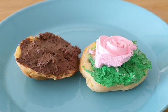 ディナーロールのハーフシートケーキクリームのせ