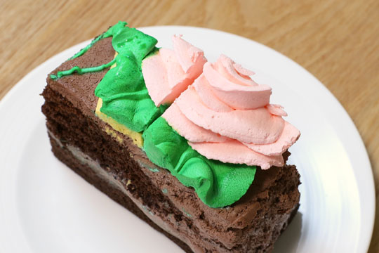 ハーフシートケーキ ラップを外した写真