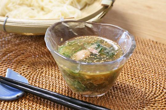 ツナときゅうりで作る素麺つゆ