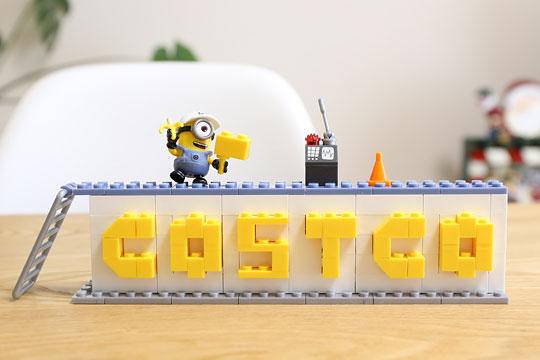 メガブロック ミニオンズ ネームビルダー COSTCOの文字