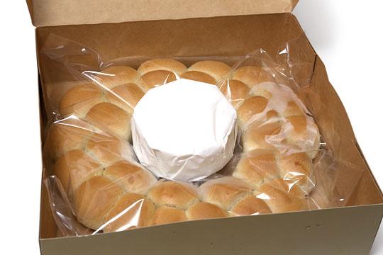 カマンベールとパンのリース 開封