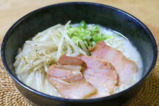 伊藤ハム 焼豚 豚バラ肉使用 ラーメン