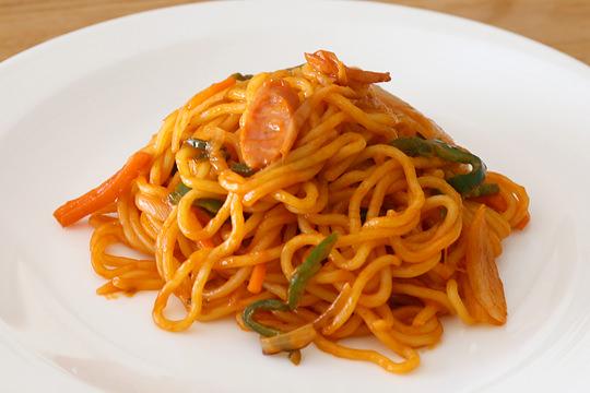青木食品 太麺焼きそばでナポリタン