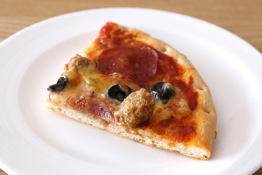 トロナ ペパロニピザ カット