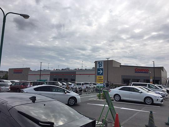 コストコ浜松倉庫店 駐車場の様子