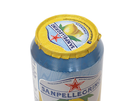 サンペレグリノ スパークリングフルーツベバレッジ レモン 蓋アップ