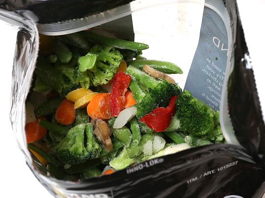 カークランドシグネチャー ステアフライベジタブルブレンド(冷凍野菜) 開封中身
