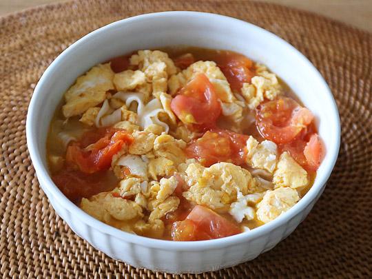 台湾のコストコで大人気のインスタント麺 曽拌麺(ツェンバンメン) アレンジ(トマトと卵)