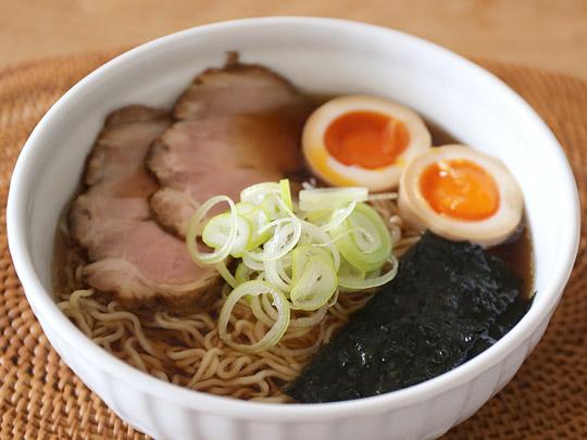 老田屋 飛騨高山らーめん 8食入 調理例2(トッピングあり)