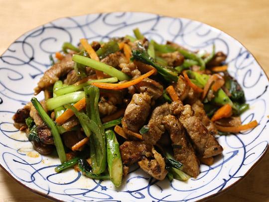 豚のにんにく味噌漬け 調理例(野菜と一緒に)