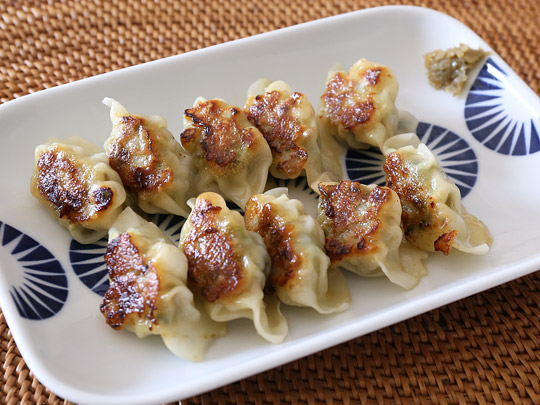 bibigo 水餃子 肉&野菜 調理例(焼き餃子)