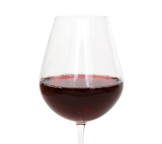 カークランド サングリア1.5L グラスに注いだ