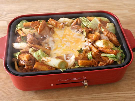 チーズダッカルビ 調理例(野菜を加えて)