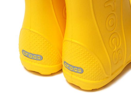 クロックス キッズ用 ハンドルイットレインブーツ(子供用長靴) 踵部分のロゴ(反射板)