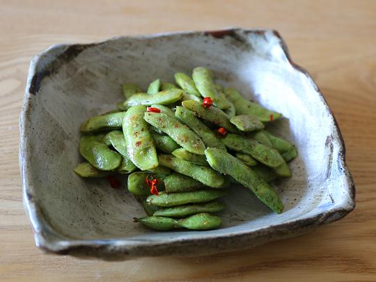 ジョニーズ ガーリックシーズニングで作るペペロン枝豆