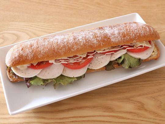 ソフトバゲットでサンドイッチ