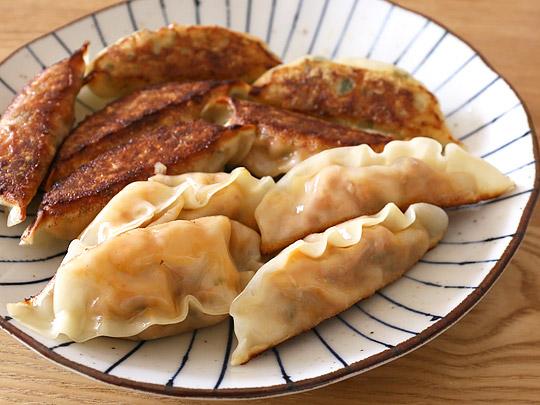 bibigo(ビビゴ)王餃子 キムチ 焼いた様子