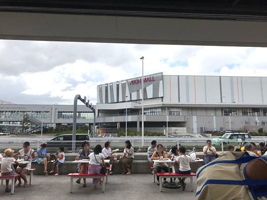 コストコ幕張倉庫店 フードコートイートスペース2