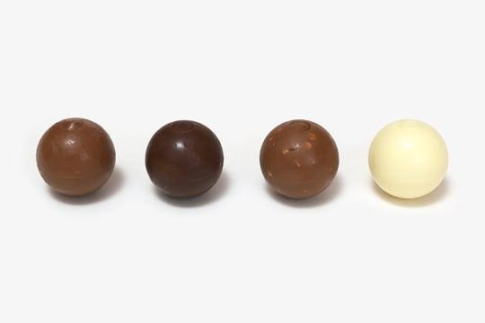 リンツリンドール トリュフチョコレート 4フレーバー 4種(ミルク、ビター、ヘーゼルナッツ、ホワイト)