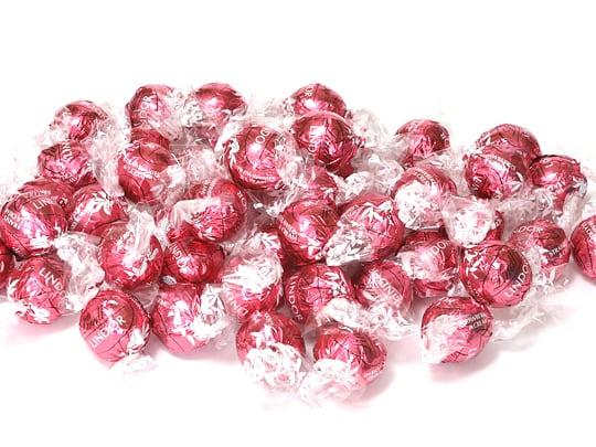 リンツリンドール トリュフチョコレート ストロベリー&クリーム 中身を出した