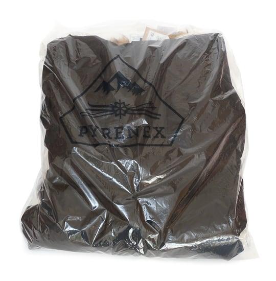 ピレネックス ダウンジャケット(袋に入った状態)