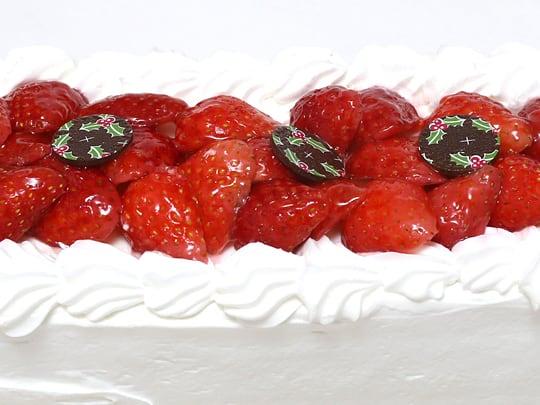 ベリーグランドクリスマスケーキ(コストコクリスマスケーキ2018) イチゴのトッピング