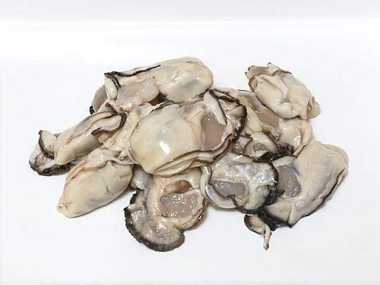 岡山県産 旬の大粒生かき 加熱調理用 500g 生牡蠣(バットに出した)