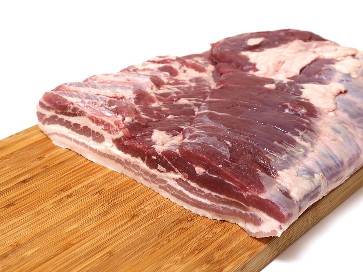 カナダ産豚肉 三元豚バラ真空パック カット断面