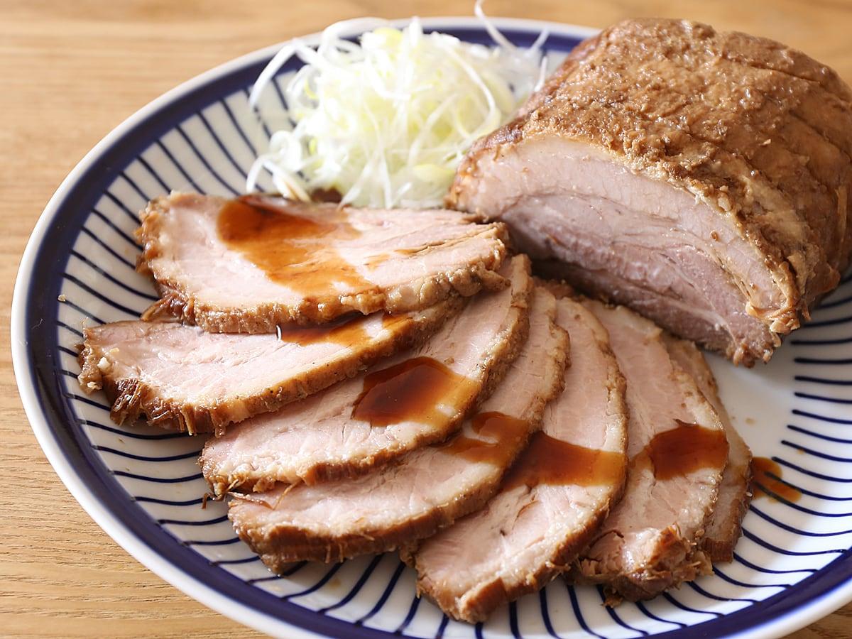 カナダ産豚肉 三元豚バラ真空パックで作った叉焼(カット)