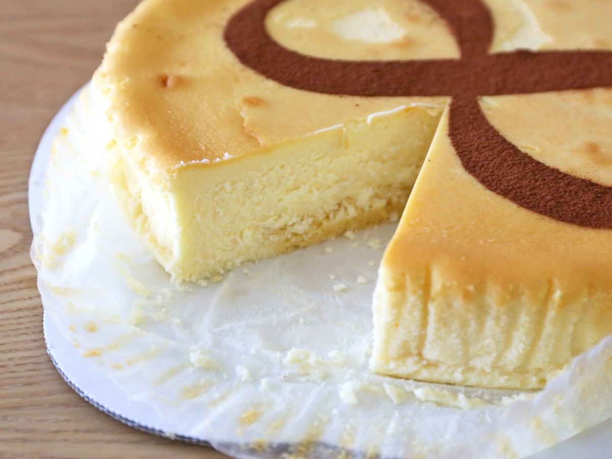 スフレチーズケーキ カット