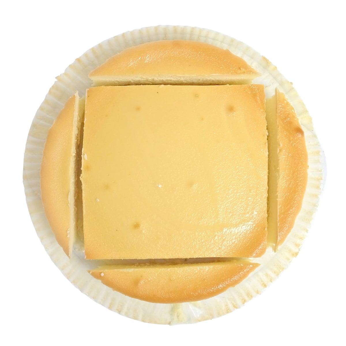 スフレチーズケーキの切り分け