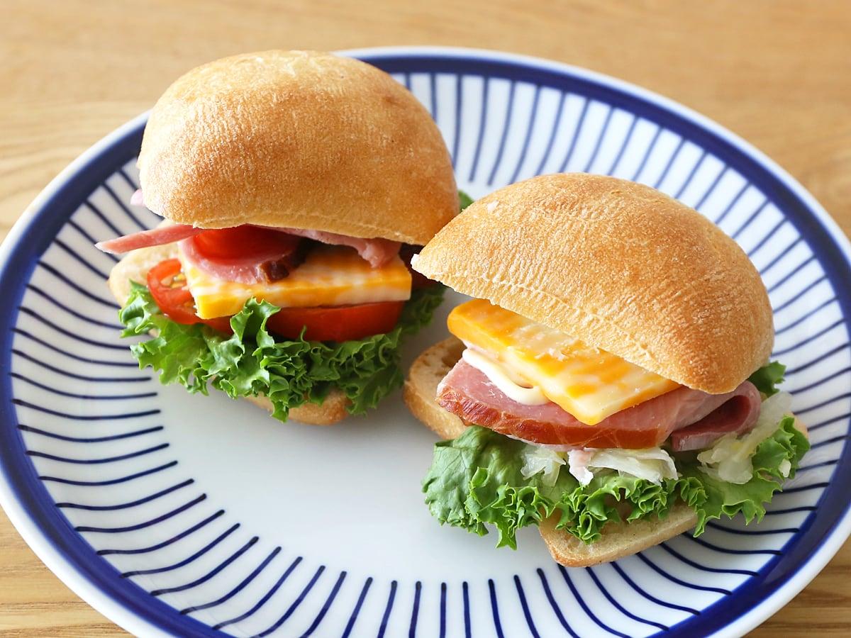 メニセーズ チャバッタロール パニーニ(サンドイッチ)