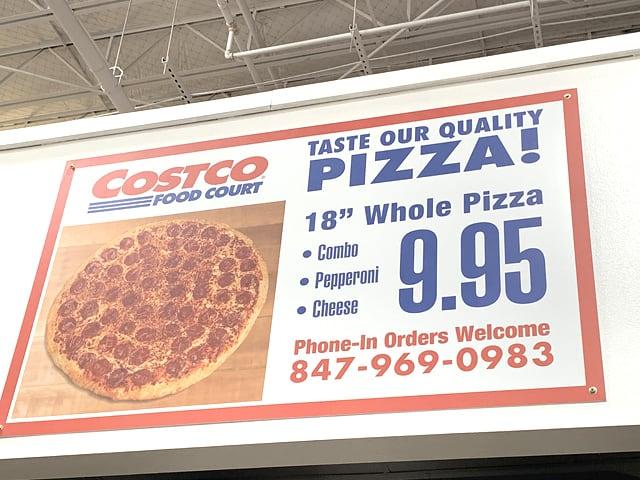 アメリカのコストコの店内の様子(ピザ)