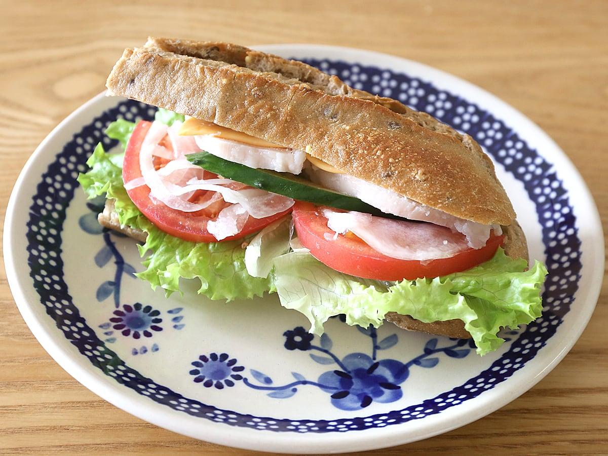 メニセーズ マルチグレインバゲット サンドイッチ