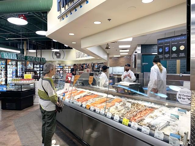 ホールフーズマーケット シーフードコーナー