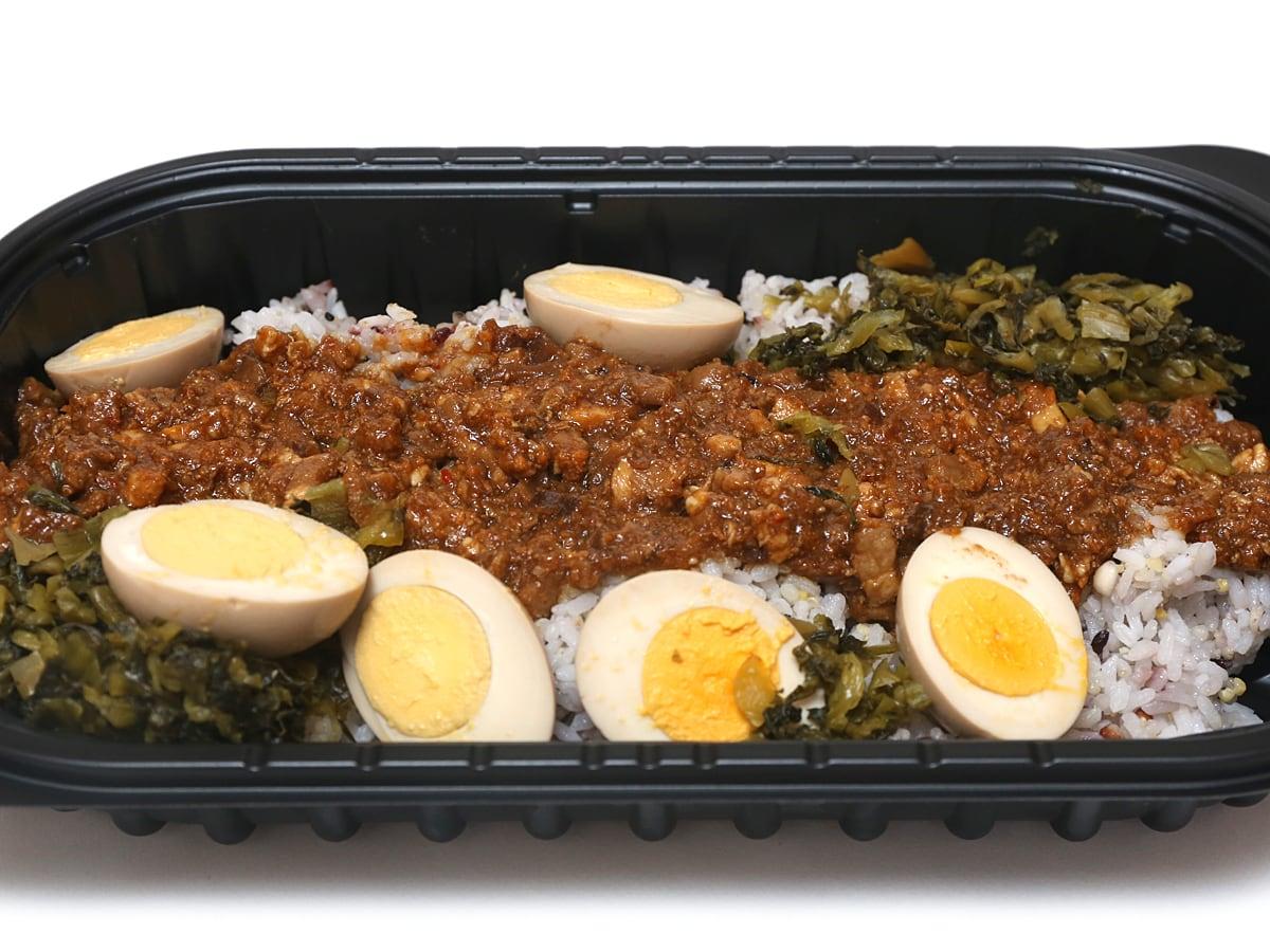 16穀米のルーローハン(魯肉飯) 蓋を開けた様子