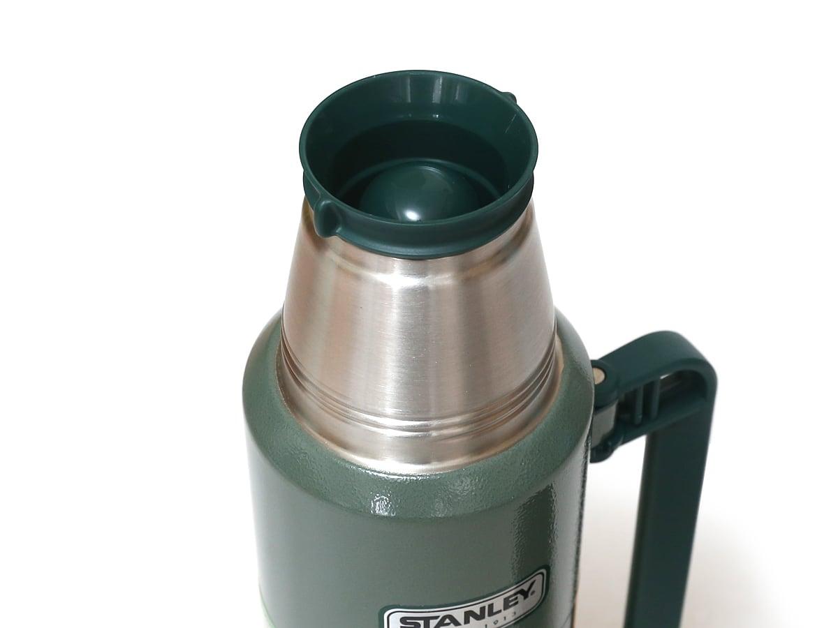 スタンレークラシックボトル(水筒)1.4QT/1.32リットル 中栓(仕様が変わった)