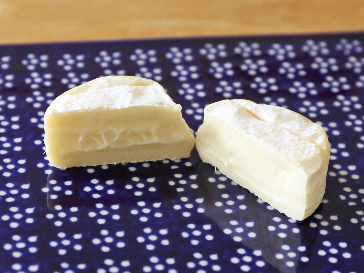 イル・ド・フランス ミニブリーチーズ 15個入り 1個(カット断面)