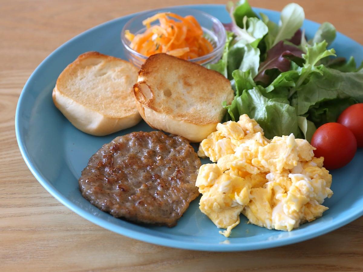ジョーンズデイリーファーム ブレックファストポークパティ(無添加) 朝食ワンプレート
